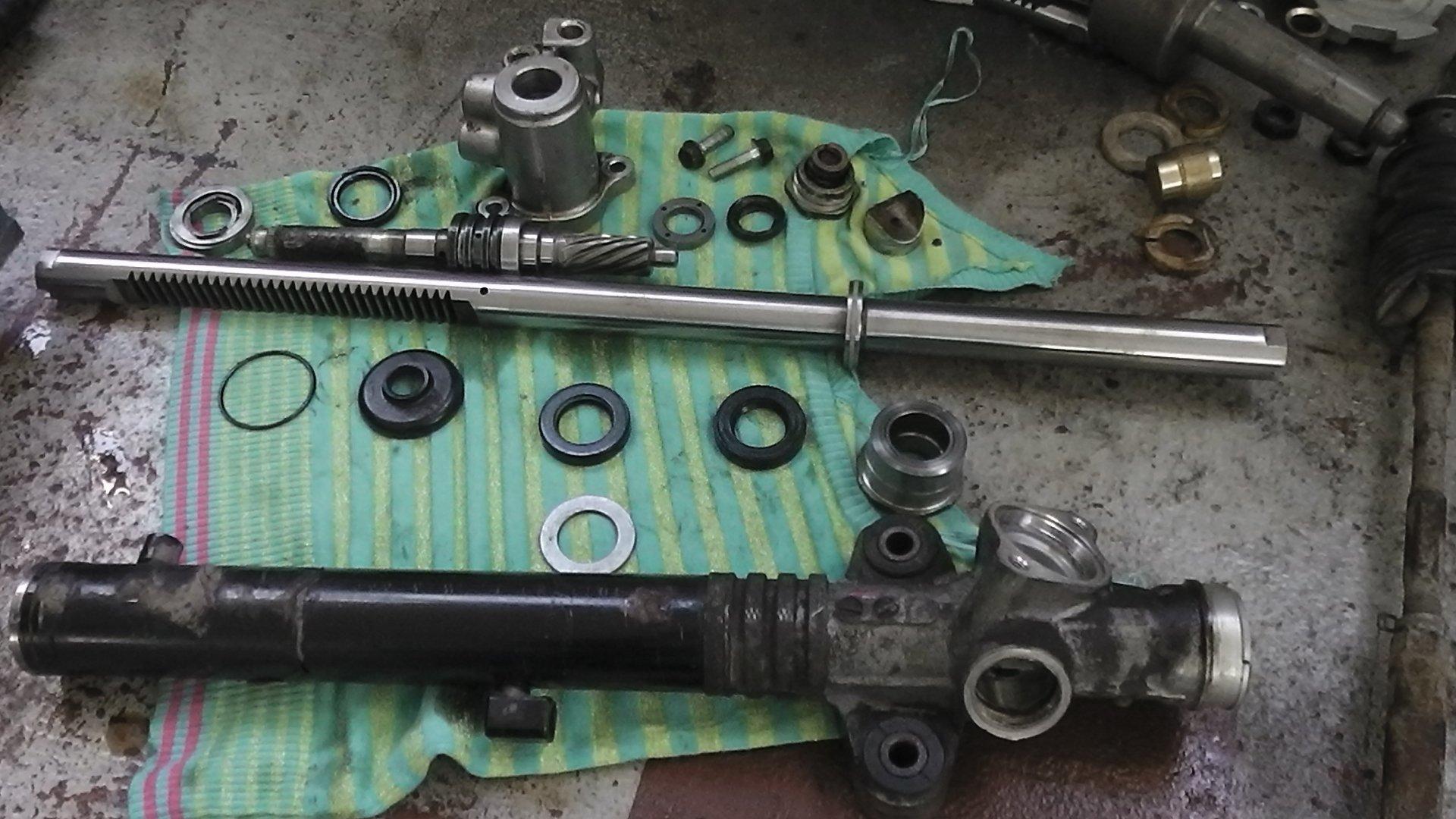Мл 320 ремонт рулевой рейки своими руками